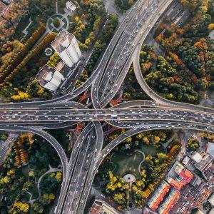 traffic stärken. Autobahnkreuzungen